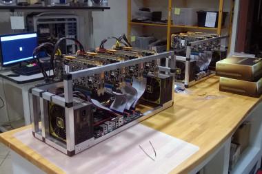 Multi-GPU cryptocoin miner
